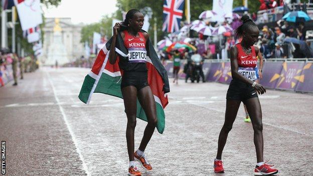 Priscah Jeptoo and Mary Jepkosgei Keitany in the women's marathon
