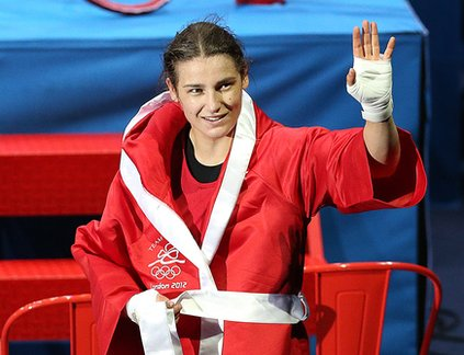 Katie Taylor fought her way into the final in front of a really loud crowd.