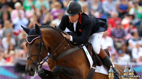 Nick Skelton showjumping on his horse
