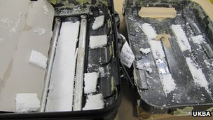 Suitcase taken apart in the drugs search