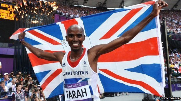 Mo Farah celebrates winning gold in the men's 5,000m final