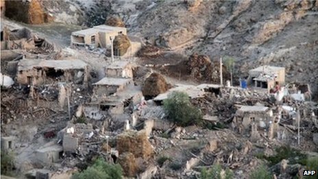 Destruction in Ishikhli village, near Varzaqan, Iran (12 Aug 2012)