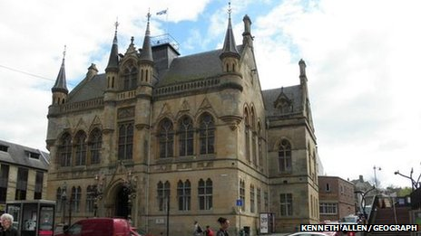Six year maintenance of inverness town house to cost 7 for Townhouse construction cost