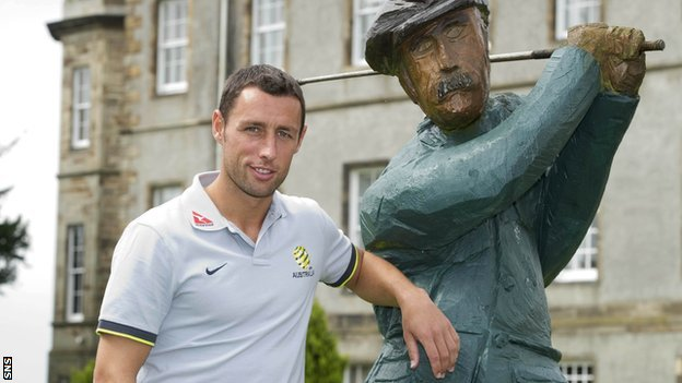 Scott McDonald hopes Scotland's defence will be as statuesque as this golfer at Dalmahoy