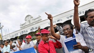 Activists in Colombo demand the release of all political prisoners from Sri Lanka's jails. Photo: July 2012