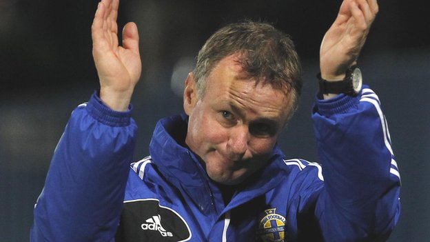 Michael O'Neill acknowledges Northern Ireland fans after last week's 3-3 friendly draw against Finland