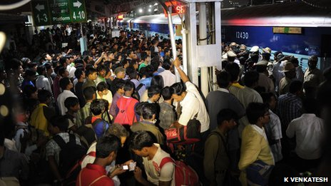 A crowd of people from India's north-eastern region at Bangalore railway station on 15 August 2011