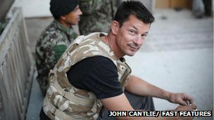 Photojournalism John Cantlie on an assignment 