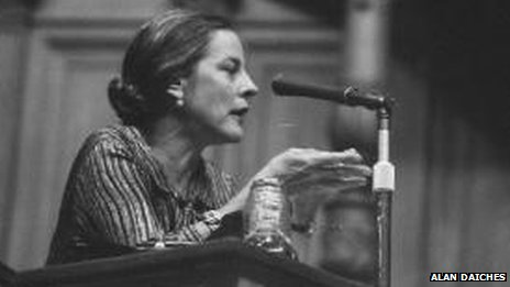 Mary McCarthy speaking in support of Burrough's book Naked Lunch in 1962