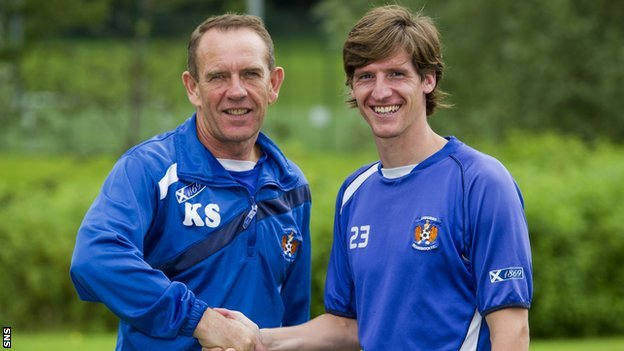 Kilmarnock manager Kenny Shiels and forward Borja Perez