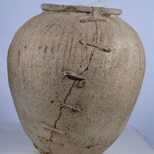 Roman pot unearthed near Swindon in 2008