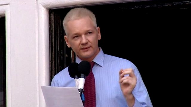 Ecuador says U.K. have threatened to storm its' Embassy to get Assange _62370029_jex_1495207_de27-1