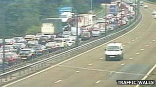 M4 Tredegar Park traffic camera