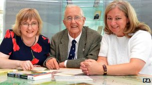 Richard Acworth with his daughter Phyllida (left) and Deirdre Wildy of QUB