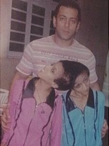 Saba and Farah Shakeel with Bollywood actor Salman Khan