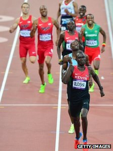 Kenya's gold medalist David Lekuta Rudisha (C) wins the men's 800 final at London 2012