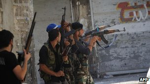 Free Syrian Army members in the al-Jadeida neighbourhood of Aleppo, 21 Aug