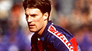 Michael Laudrup playing for Barcelona