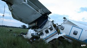 Crashed plane in Masai Mara, Kenya (22 Aug 2012)