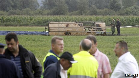 Scene after balloon crash, 23 Aug 12
