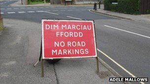 Bilingual road sign in Hampshire