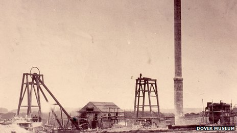 Building Snowdown Colliery in 1907