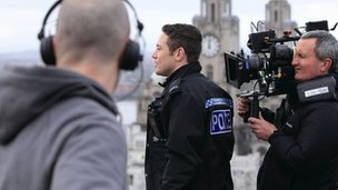 Warren Brown filming Good Cop