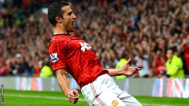 Hat-trick Robin van Persie selamatkan Manchester United - berita Liga Inggris