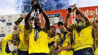 Hampshire celebrate their FL t20 win