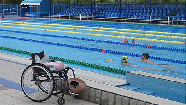 Wheelchair next to training pool