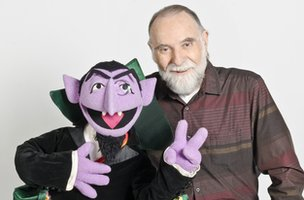 Jerry Nelson with puppet Count von count