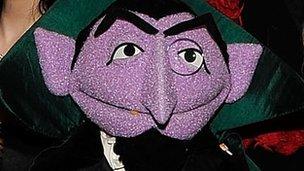 Count von Count count close-up