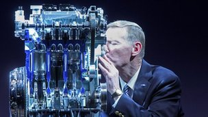 Alan Mulally gets close to Ford's 1.0 litre EcoBoost engine