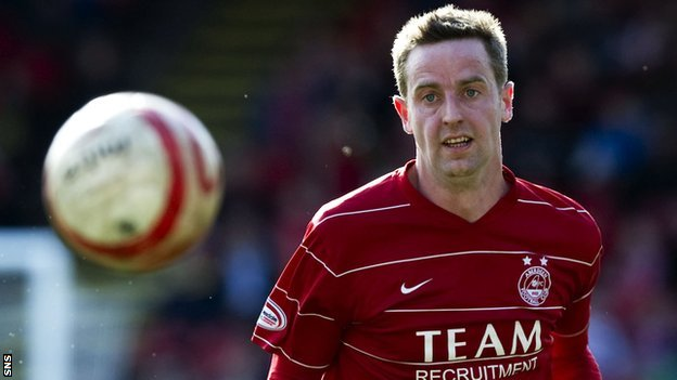 Steven MacLean played for Aberdeen in season 2009/10