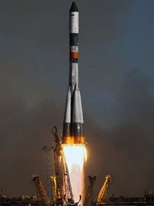 Soyuz rocket blasts off from Kazakhstan in late 2011