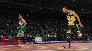 Oscar Pistorius beaten by Alan Oliveira