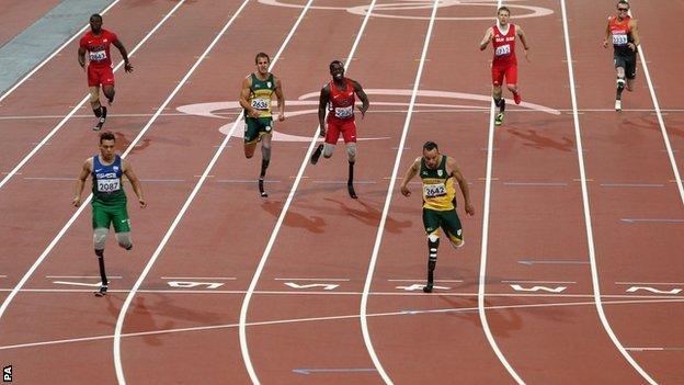 Alan Fonteles Cardoso Oliveira wins gold ahead of Oscar Pistorius