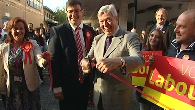 Cutting the ribbon at the launch of the Labour campaign