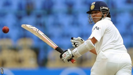 Sachin Tendulkar batting in India's second test against New Zealand