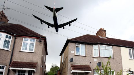 Plane flying near Heathrow Airport