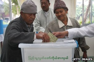 Burmese voters, Shan state, November 2010