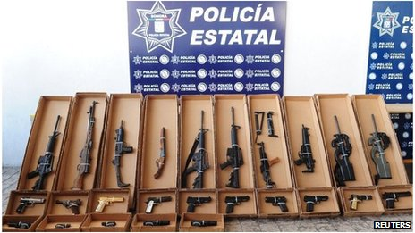 Confiscated weapons on display in Hermosillo, Mexico (7 Sept 2012)