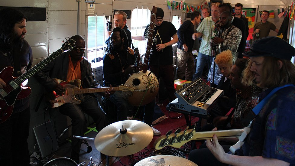In one of its carriages, musicians from different bands and backgrounds jammed together all day long.