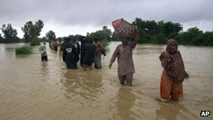 Flood victims in Dera Ghazi Khan