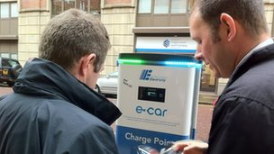 Philip Reaney explains how to charge the Ecar