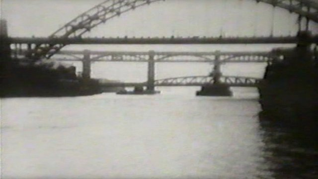 Ringtons film of the Tyne, 1932