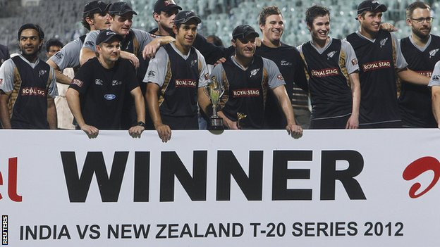 New Zealand celebrate with the Twenty20 series trophy