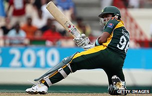 Umar Akmal in action
