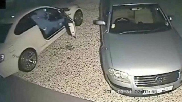 CCTV shows BMW being stolen