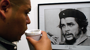 Exhibition featuring picture of Che Guevara